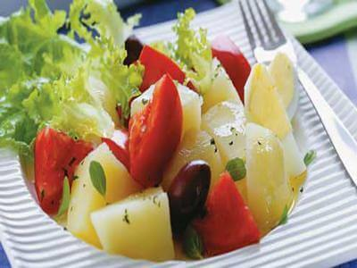 Salada rápida de batata grelhada