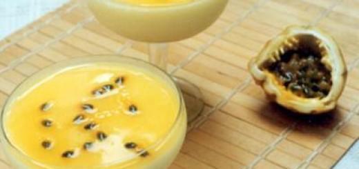 receita-de-pudim-de-iogurte-com-calda-de-maracuja
