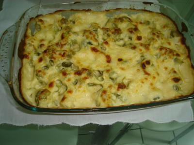 receita de brócolis com salsicha em crosta de queijo fresco