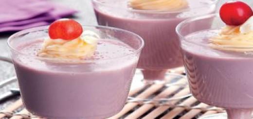 flan-de-iogurte-e-uva