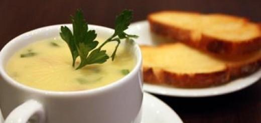 Receita de caldo verde com pão italiano