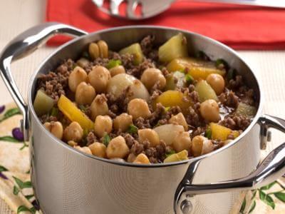 Receita de carne moída com grão-de-bico, chuchu e mandioquinha