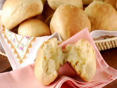 Pãozinho de mandioquinha com queijo