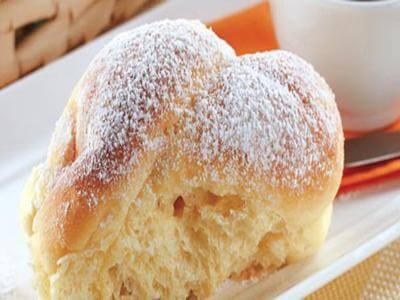 Receita de Pãozinho de mandioquinha e leite condensado