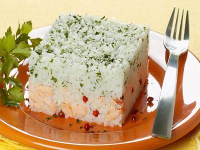 Receita de arroz com leite de coco e salmão