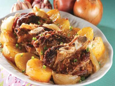 Assado de costela e batatas
