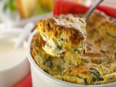 Suflê de espinafre e queijo