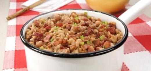 tutu-de-feijao-com-bacon-e-linguica