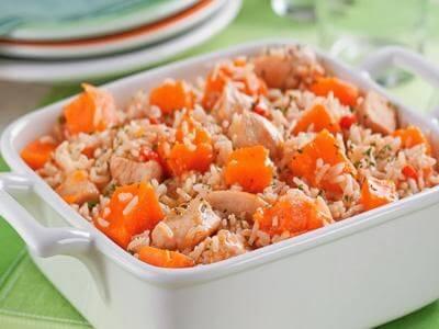 Receita de arroz com frango e cubos de abóbora