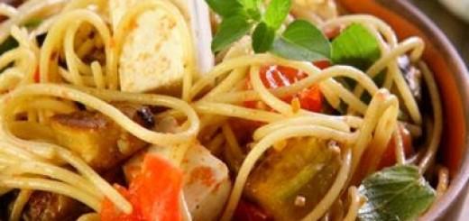 espaguete-com-berinjela