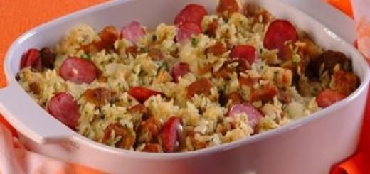 arroz-de-forno-com-linguica-e-queijo