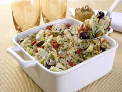 Receita de arroz vapt-vupt com manjericão e tomate