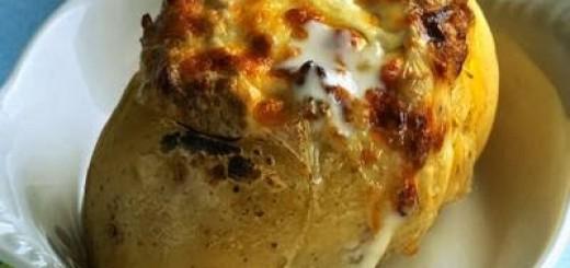 Batata assada com carne moída