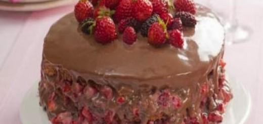 bolo-delicia-de-morango