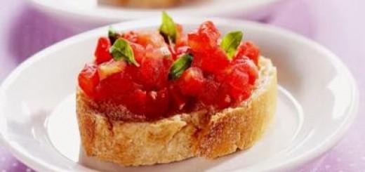 Receita de bruschetta de tomate e manjericão