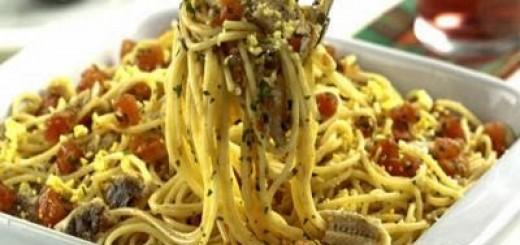 espaguete-com-sardinha