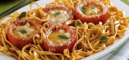 macarao-com-tomates-recheado-de-queijo