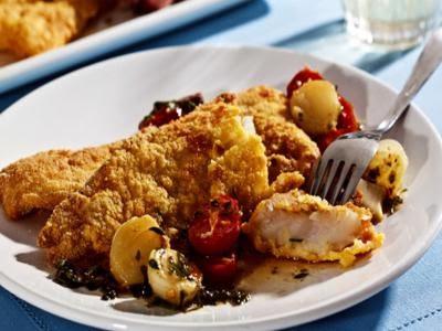Receita de peixe ao molho de ervas, alho e tomate