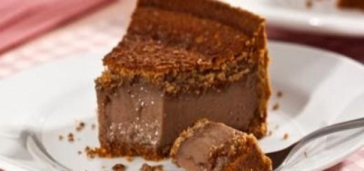 torta-cremosa-de-amendoim-e-chocolate