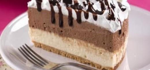torta-gelada-bicolor-com-marshmallow