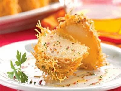 Batata crocante com macarrão cabelo-de-anjo