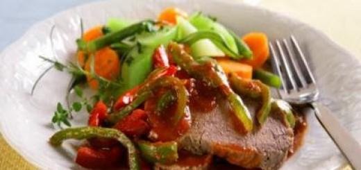 carne-suculenta-na-pressao-com-legumes