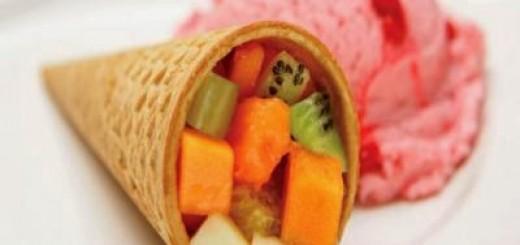 salada-de-frutas-no-cone