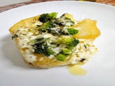 Batata com frango e brócolis
