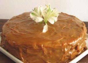 Receita de bolo de farinha láctea e doce de leite