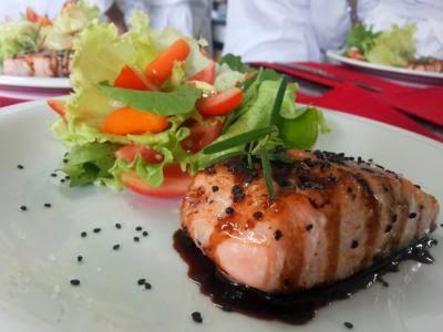 Receita de salmão com toque asiático