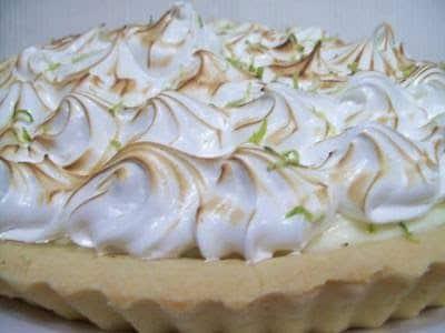 Torta de limão com cobertura de suspiro