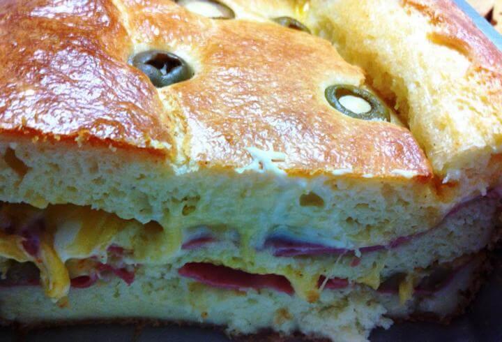 Receita de torta prática de mortadela com queijo