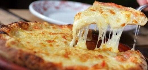 Receita de pizza de queijo de liquidificador