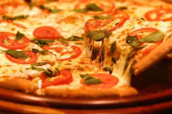 Receita de pizza marguerita de liquidificador