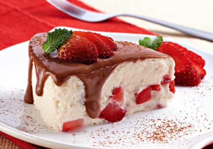 Receita de merengue com morango e chocolate